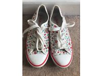 Cath Kidston pumps / trainers size 4