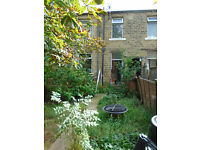 Back to back terrace, HD1. With basement kitchen/dining room. GCH. Real fire in living room. Garden.