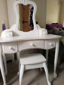 Children's dressing table.