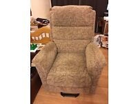 Oslo Petit Electric Riser Recliner Chair Dual Motor Excellent Condition