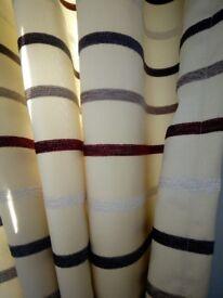 Curtains and pelmet.