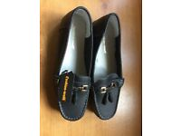 Lady's Shoes Loafer type Size 7