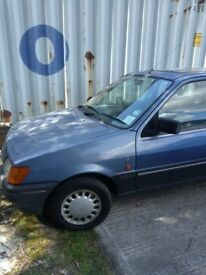 Engine blown. No mot. Ideal as a peoject car