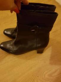 Black ladies leather boots size 8