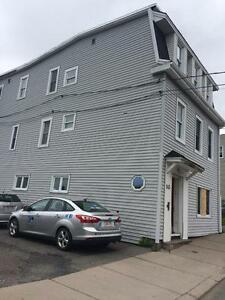 145 Metcalf St. - 3 BR North, Heated, W/D, Pets, Parking™