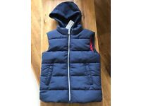 New boys blue padded gilet with detachable hood, age 6-7, bluezoo