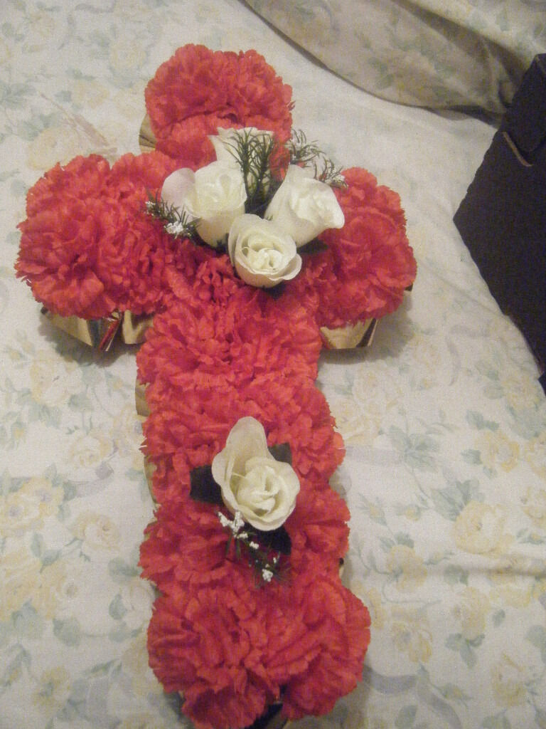 Red Cross Shaped Silk Artificial Funeral Flowers Wreathmemorial