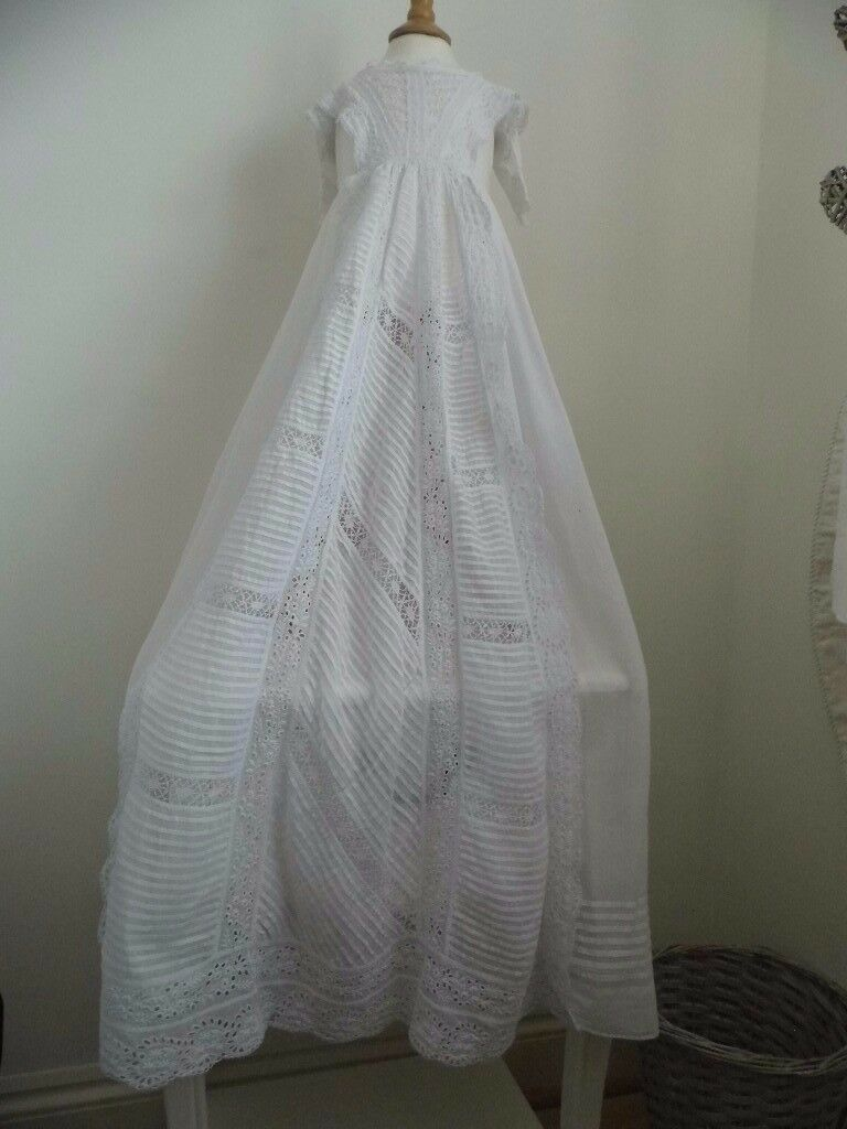 ANTIQUE VICTORIAN EDWARDIAN BRODERIE & LACE CHRISTENING GOWN