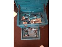£250 O.N.O 18V MAKITA KIT BOX AND CHARGER (collection only)