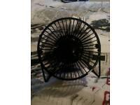Clock fan just needs usb plug