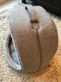 Beautiful Grey Woven Furry Soft Cat Bed