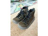 Next boys winter boots infant size 8