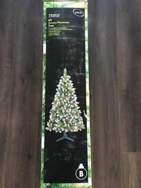 £10 - 6ft Snowy Mountain Green Artificial Christmas Tree with cones and berries