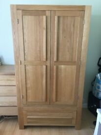 Solid oak double wardrobe with 1 drawer