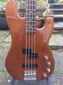 Fender Precision Active Deluxe Bass. Beautiful condition