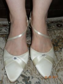 Ivory Satin Wedding Shoes - Rainbow Club 'Juliette'