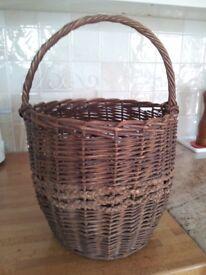 Various vintage + modern baskets