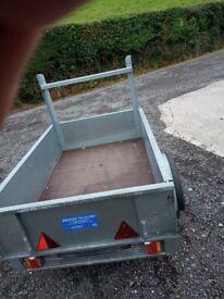 Car trailer bronnis