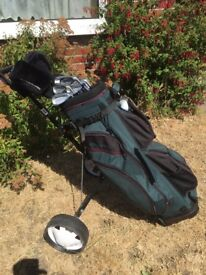 Full set men's right handed clubs and accessories