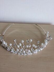 Tiara diamond and pearl effect