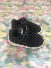 Baby/todler nike shoes size 4
