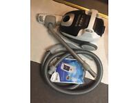 Vacuum/Hoover Electrolux ergospace working perfectly + 3 extra bags