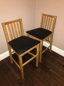 2 x bar stools/chairs
