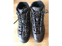 Zamberlan men's size 10.5 walking boots