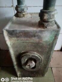 Lower hot water tank