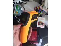 Laser tempature gun