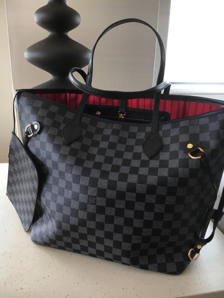 Brad New Louis Vuitton Bag Large Or Medium