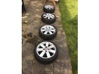 Ford Fiesta alloys with excellent tyres!