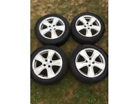 Clio mk4 Alloy wheels with tyres 195/55 R16
