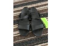 Crocs brand new cleo V size uk 8