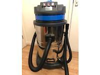 Car wash vacuum cleaner