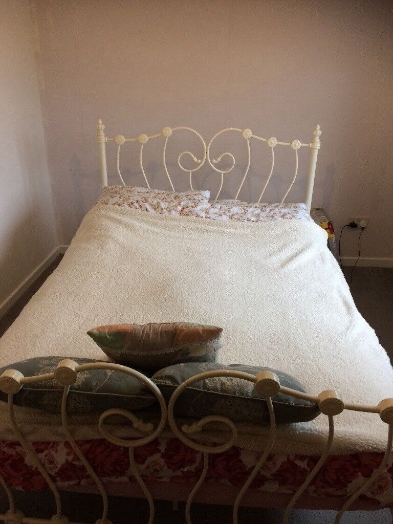 pretty nice e76be e6fc2 Shabby chic metal cream vintage double bed frame | in Halstead, Essex |  Gumtree