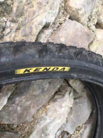 Kenda 2 bicycletyres with innertube mountainbike