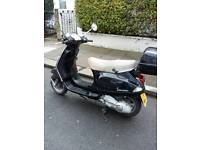 Lovely vespa lx125