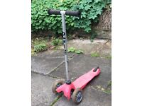 Pink micro scooter £3