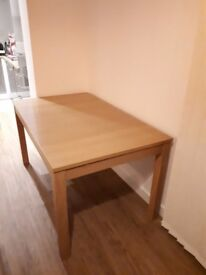Dining table (extendable) - original price 150£