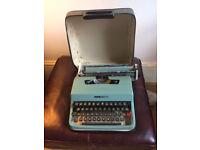 Typewriter, Olivetti Lettera 32, with travel case.