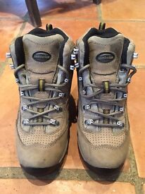 Women's Zamberlan Walking Boots Size 37