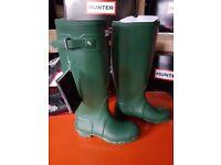 Hunter Wellies Ladies Original Tall in Green size 4