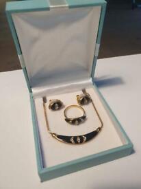 Stunning Vintage Black Gold Diamanté Art Deco Retro Necklace Ring & Earrings Ladies Jewellery Set