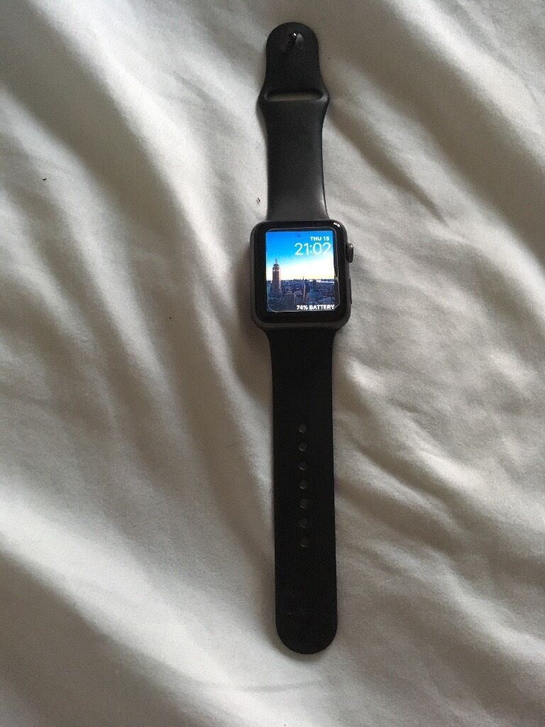 Apple Watch Sport 42mmin Exeter, DevonGumtree - Apple Watch Sport series 1 42mm. Complete with box (looks brand new) plus s/m and m/l band. Also spare band in box completely unopened. Please note screen damage shown is just a screen protector absolutely no screen damage or marks at all when you...