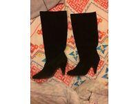 Ladies black boots (size 5)