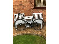 Giant Defy 3 Road Bike Medium Frame with Extras