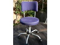 Child chair - ideal for homework at desk - swivels and wheels