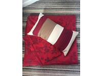 Red king size duvet with two pillow cases and cushion