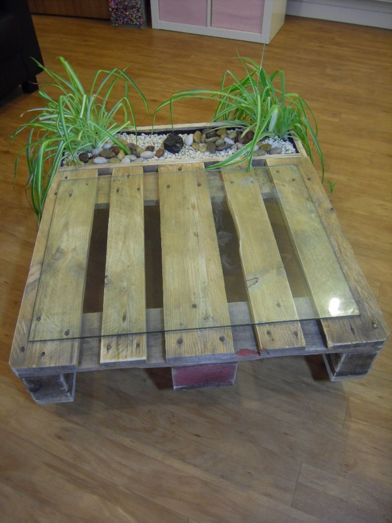 bespoke 'shabby chic' pallet/reclaimed wood & glass coffee table